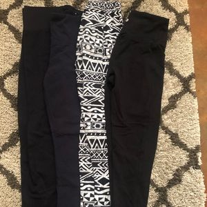4 Pairs of Leggings Size Small